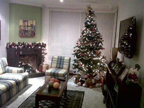 arbol de navidad casa navidad bien iluminada y emergencias cultura