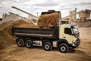 Video De Camion De Chantier : iveco scania et volvo d voilent leurs nouveaux camions de chantier nouveaut s poids lourds eci ~ Medecine-chirurgie-esthetiques.com Avis de Voitures
