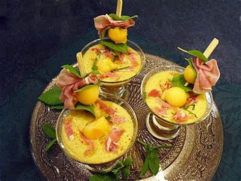 cuisiner avec les restes soupe glacée de melon au jambon cru la recette facile par toqués 2 cuisine