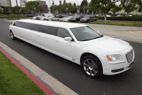 Limo Rides Near Me by Limo Near Me