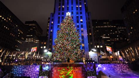 nyc tree lighting 2016 world famous christmas tree will light up tonight