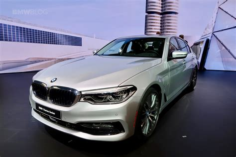 Bmw Detroit one more in hybrid joins the bmw stage in detroit
