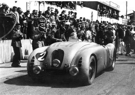 Because of this bugatti type 57g tank sports car had an outstanding aerodynamic body, it could easily achieve higher speeds when compared to most of its competitors' race cars at that time. Bugatti Type 57G Tank
