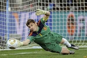 iker casillas saves | iker casillas save Iker Casillas ...