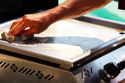 comment cuisiner plancha comment nettoyer une plancha conseils et astuces