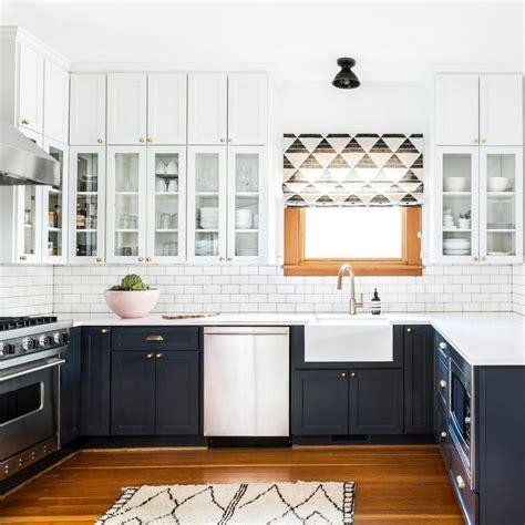two color kitchen cabinets pictures welche sind die vor nachteile der k 252 chenoberschr 228 nke 8605