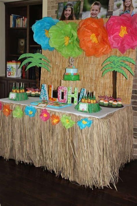 hawaiian designer christmas ornaments best 25 hawaiian luau ideas on luau
