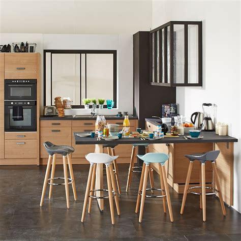 tables hautes de cuisine comment choisir entre chaise et tabouret pratique fr