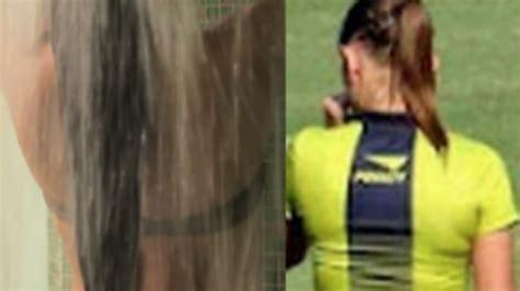ragazze sotto la doccia filmava le ragazze arbitro sotto la doccia nei guai ex