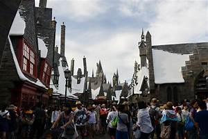 Harry Potter Puts Universal Studios Japan On Track For