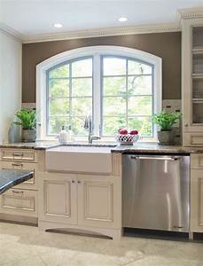 Off white cabinets with white farmhouse sink not sure if for Best brand of paint for kitchen cabinets with old florida wall art