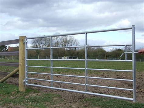 Fencing Gates & Posts