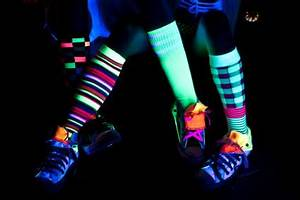 How Should I Decorate My Backyard for a Black Light Rave Party? | LoveToKnow