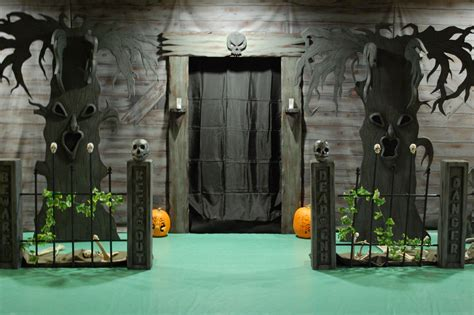 spooky outdoor decorations   halloween night godfather style
