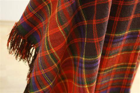 Skrundas lielais lakats   Folk design, Plaid scarf, Plaid