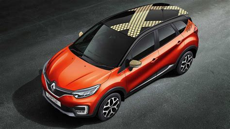 renault captur  orange color gaadikey