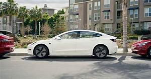 Tesla Model 3 Price : elon musk slashes tesla model 3 price to long awaited 35 000 ~ Maxctalentgroup.com Avis de Voitures