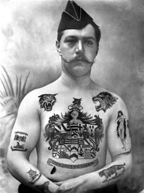 Old-school Pics of Tattoos Done in the Early 1900s (30