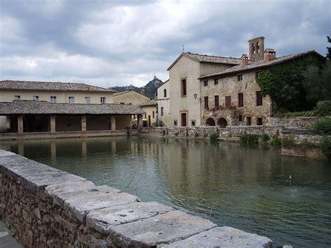 bagno italia bagno vignoni wikivoyage guida turistica di viaggio