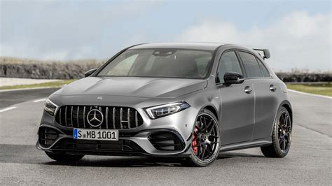 mercedes amg   cla  revealed car news