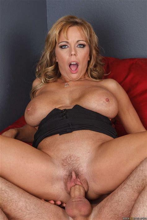 Hot Sexy Mature Momma And Milf Amber Lynn Bach 183 Pics