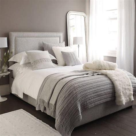 white and silver bedroom fyra knep f 246 r att b 228 dda s 228 ngen snyggt baaam 1249