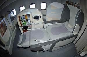 Seat Map Emirates Boeing B777 300ER three class | SeatMaestro