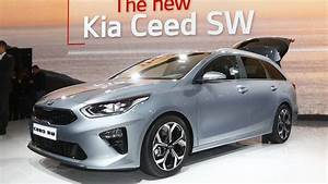 Dimension Kia Ceed : 2018 kia ceed sportswagon arrives in geneva with massive trunk ~ Maxctalentgroup.com Avis de Voitures
