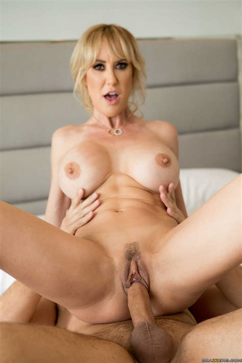Sexy Blonde Cougar Gets Pleasantly Fucked In Bed Photos