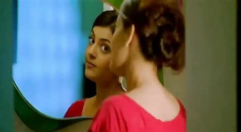 Kajal Agarwal Hot Dress Removing Bathroom Scene