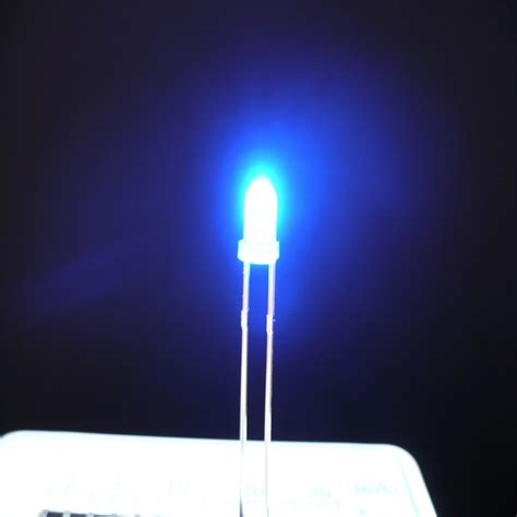 single led light with battery images