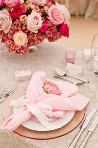 Serviette De Table En Tissu : pliage de serviettes un des arts de table les plus charmants ~ Teatrodelosmanantiales.com Idées de Décoration