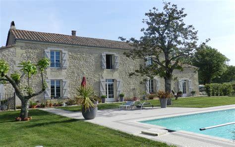 chambre d hotes familiale a vendre maison girondine avec piscine entre deux mers
