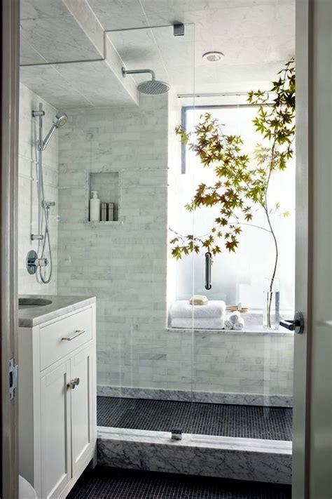 Badezimmer Fliesen Hell by Small Bathroom Tile Bright Tiles Make Your Bathroom