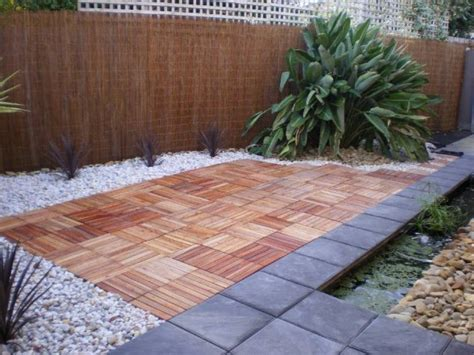 Merbau Decking Tiles by 12 Ideas For The Garden Floor Design That Will Take Your