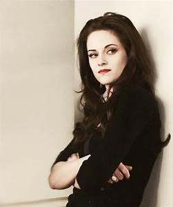 Kristen Stewart as Bella Cullen (Breaking Dawn part 2) I ...