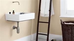 peindre une salle de bains en 10 etapes dulux valentine With comment peindre une salle de bain