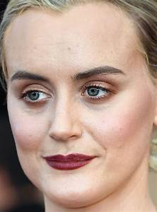 The Best (and Worst) Beauty Looks at the 2017 SAG Awards ...