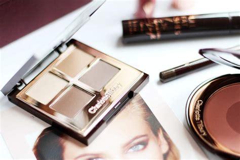 charlotte tilbury makeup  sophisticate    box
