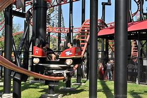 Pandemonium Roller Coaster   Guide to Six Flags over Texas