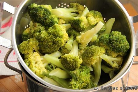 comment cuisiner des brocolis comment cuire brocolis vapeur