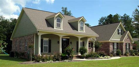 plan  traditional style house plan   bed  bath