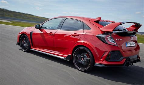 Jenson Button Leads Honda's Civic Type R Time Attack 2018