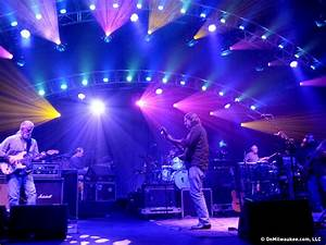 Widespread Panic jams in front of faithful fans
