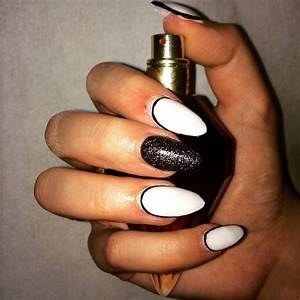 25+ White Acrylic Nail Art Designs, Ideas | Design Trends