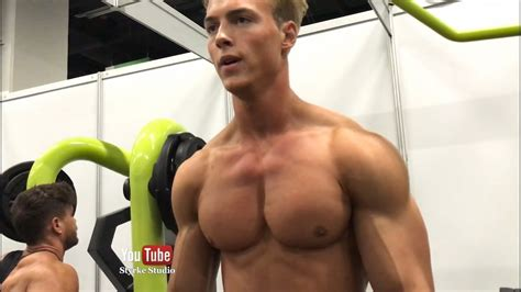 Fitness Model Hagen Richter Gym Pump Styrke Studio Full