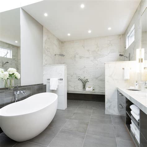 modern luxury master bath  walls