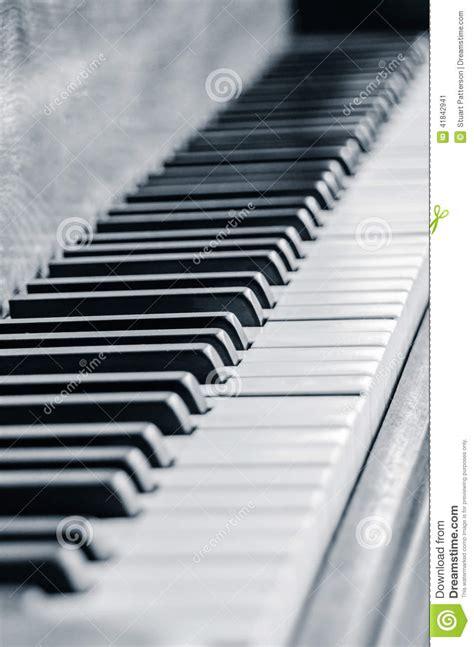 Bar Piano Blanc Et Noir