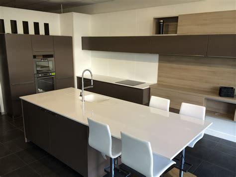 ilot central de cuisine pas cher 6 indogate cuisine moderne avec ilot central cgrio