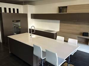 Ilot Cuisine Table : ilot de cuisine en granit quartz ou dekton bordeaux hm deco ~ Teatrodelosmanantiales.com Idées de Décoration